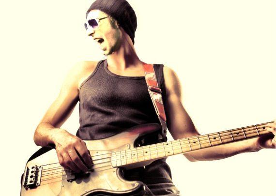 Warum_sie_eine_Bassgitarre_schufen